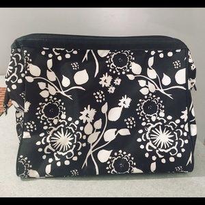 Thirty one clutch bag